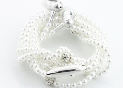 The Earbud Necklace